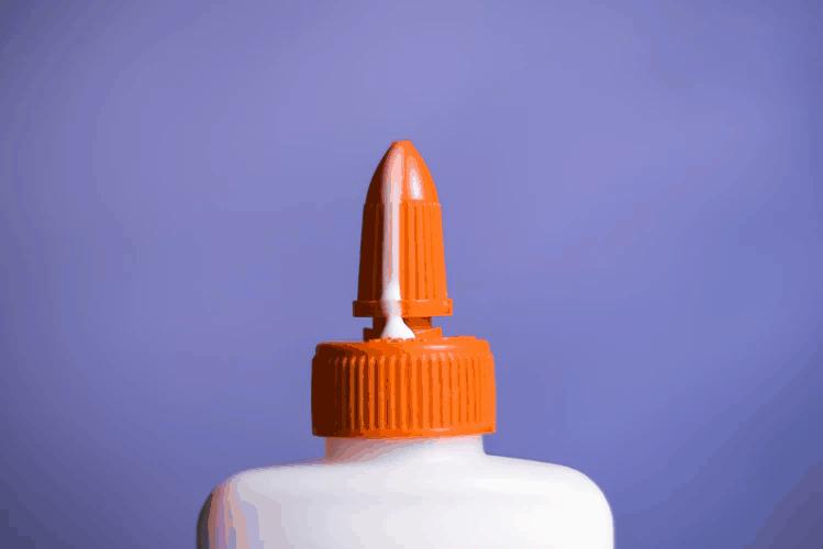 Wood glue bottle